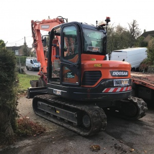 Doosan DX85R Midi Excavator Hire Swindon