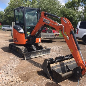 Hitachi 26U Mini Excavator Hire Swindon